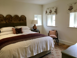 Cotswold - Delightful Bedroom